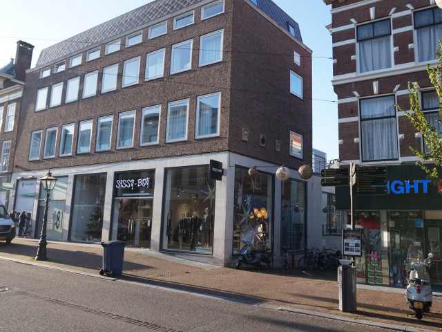 Breestraat 81